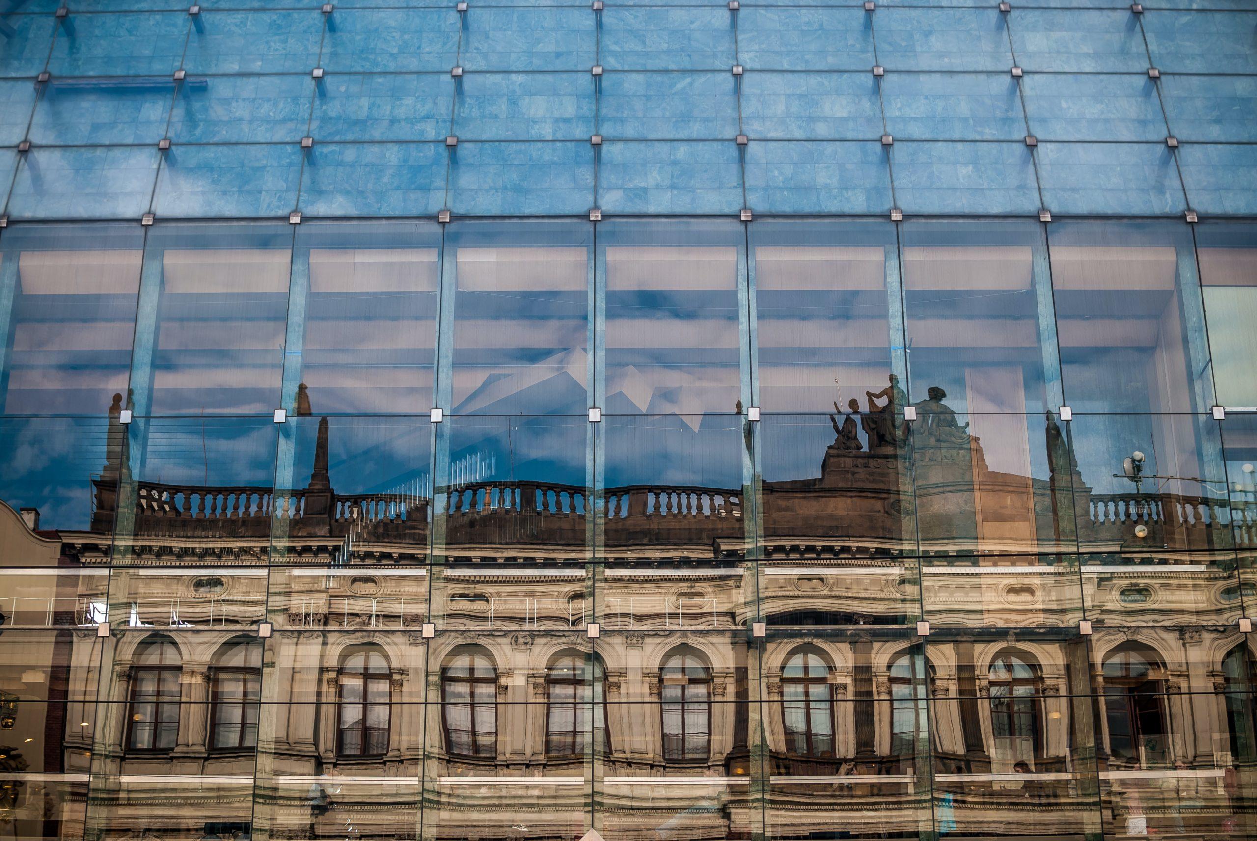 Faktura VAT – fakturowanie w firmie pod kontrolą (w tym zmiany od 01.01.2022 r.)